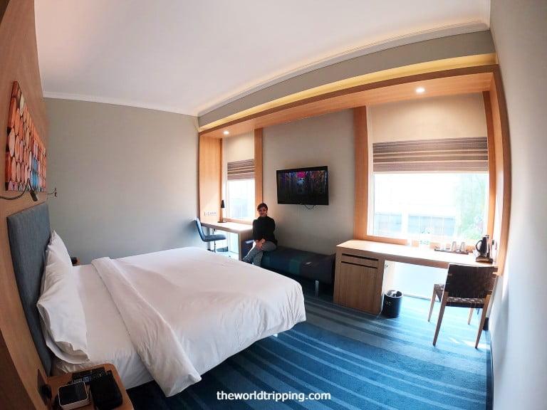 Hotel Room Layout & Interior