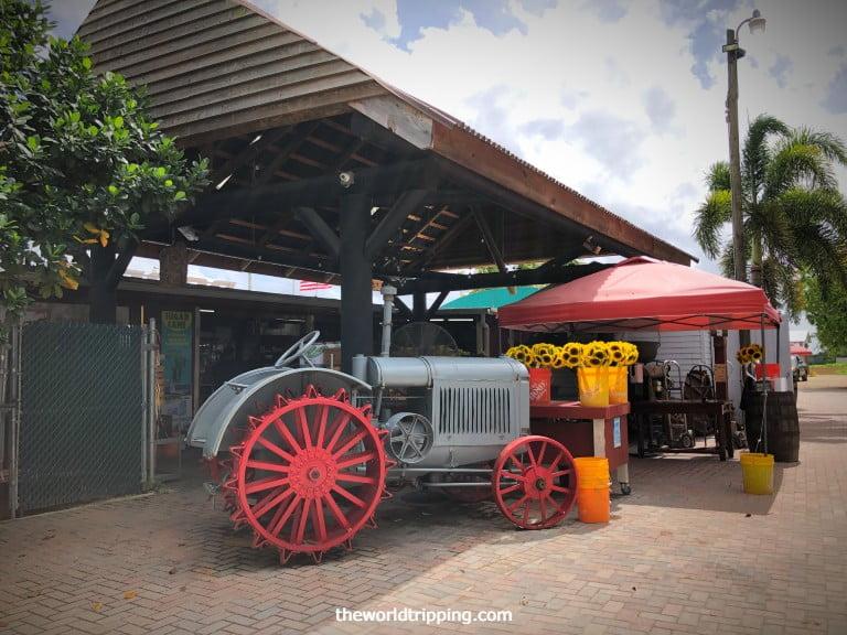 Exhibits of vintage tractors in Robert is here