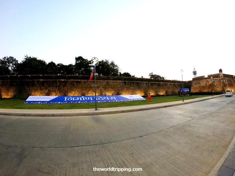Moti Daman Fort wall compound