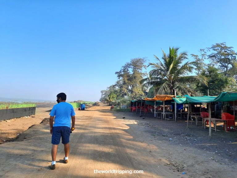 Food stalls on Devka Beach, Daman